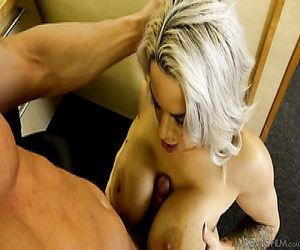 Große Reife Brüste